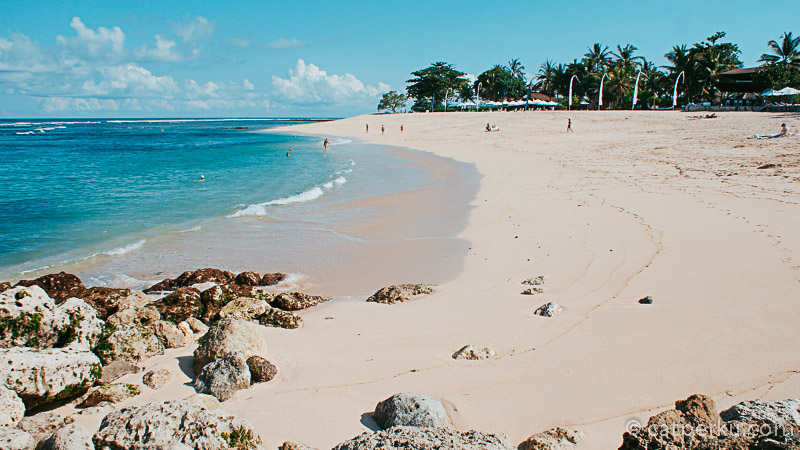 Pantai Sawangan Bali Ini juga menjadi halaman belakang Nikko Resort.