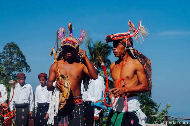 Para Ksatria, penari caci dari manggarai