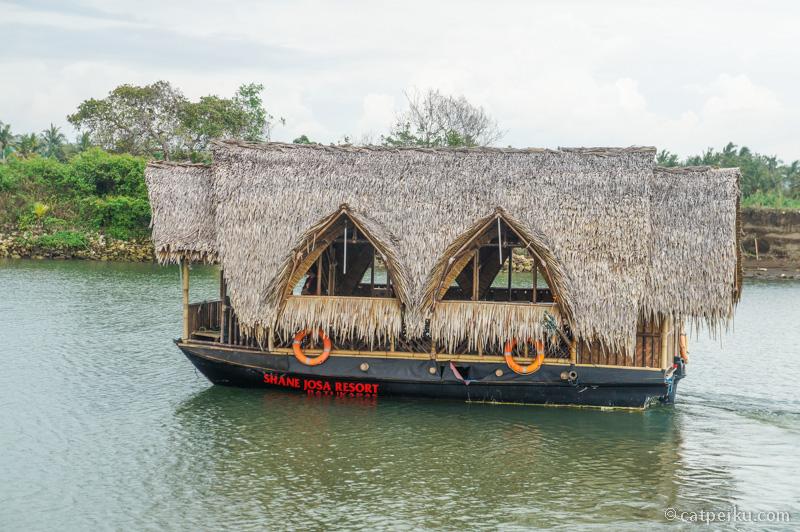 Perahu ini disewa dari Shane Josa Resort, Batu Karas