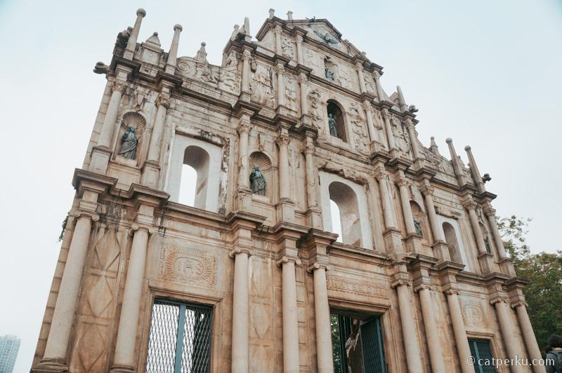 Ruin Of St. Paul's atau reruntuhanSt. Paul's ini memang dikenal dimana-mana.