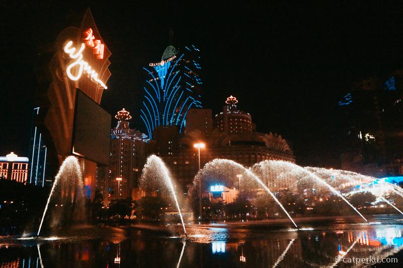 Selain kasino, beberapa hotel di Macau bisa menjadi tujuan wisata di Macau.