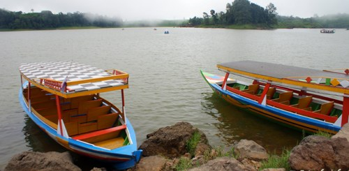 Situ Patenggang, Danau Ditengah Lautan Kebun Teh