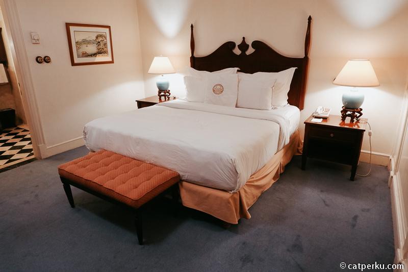 """Saya menginap di kamar """"Heritage Suite"""" dengan kasur kingsize super empuk."""