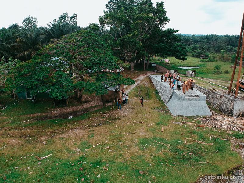 Taman Wisata Alam Seblat yang berada tak jauh dari Desa Kota Bani juga memiliki daya tarik tersendiri lho.