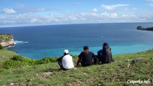 Memandang Samudera Hindia dari Tanjung Ringgit Lombok Timur.