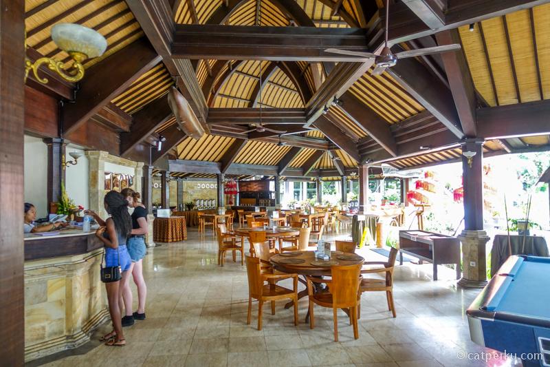 Tempat sarapan yang luas dan terbuka