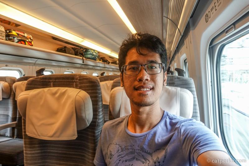 Terakhir naik Shinkansen di tahun 2013 euy, sampe lupa rasanya gimana. On board ke kota Hachinohe!