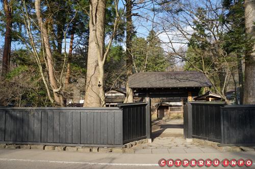 Salah satu gerbang rumah Samurai yang boleh untuk dimasuki
