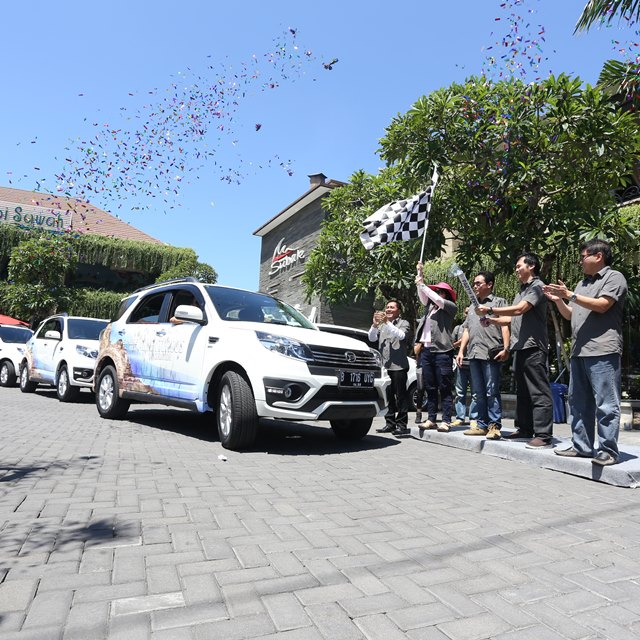 Tim test drive dilepas dari Kuta, Bali.