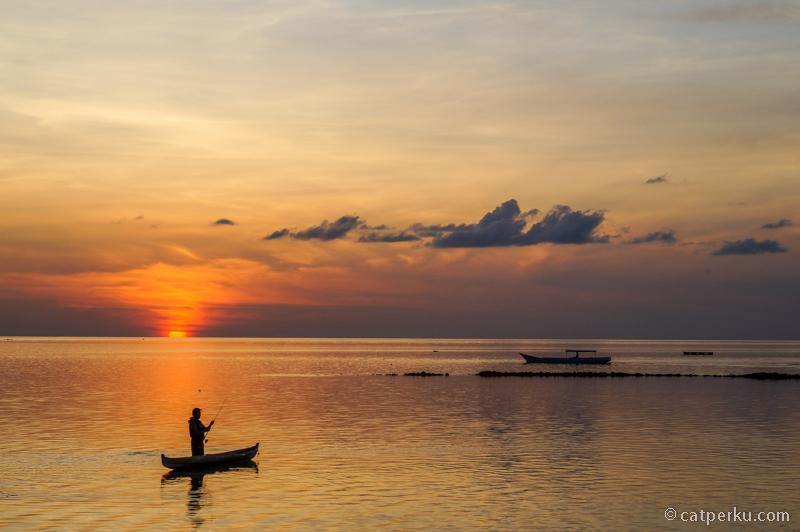 Tomia pulau yang cocok untuk akhir tahun yang tenang. Sunset viewnya luar biasa!