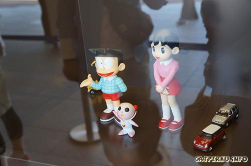 Suneo, Shizuka sama satu karakter dari cerita Doraemon Petualangan : Nobita dalam perang luar angkasa
