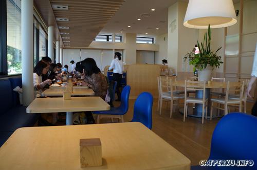 Enggak cuma makanan yang unik, cafe yang ada di dalam Museum Doraemon ini nyaman untuk melepas lelah setelah berkeliling.
