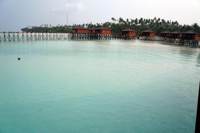 Water villa Maratua Paradise Resort, penginapan yang berada diatas laut langsung