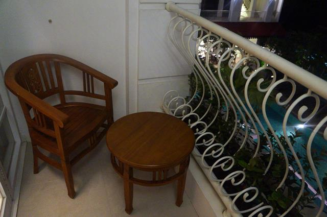 Balkon kamar tempat favorit saya selama menginap di Gallery Prawirotaman Hotel.