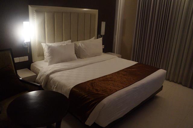 Duble bed yang empuk dan nyaman.
