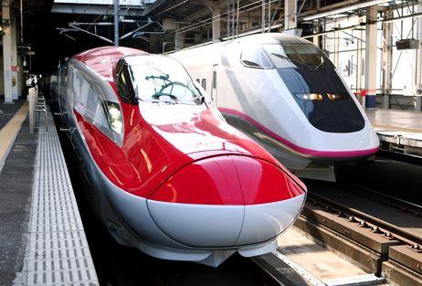Shinkansen Komachi yang super cepat. Sumber foto dari Google Images, karena saya enggak sempat mangambil fotonya dari luar :|