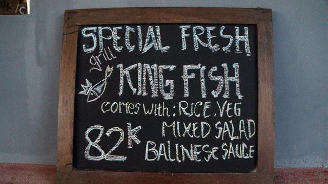 Salah satu menu spesial mereka, mungkin kalau lagi lapar pasti saya coba :)