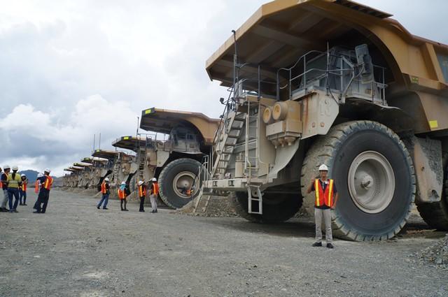 Target foto bareng sama si Haul Truk a.k.a monster truk tercapai!