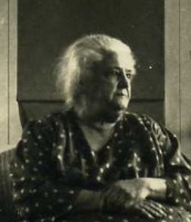 nellie ives zuvercropped