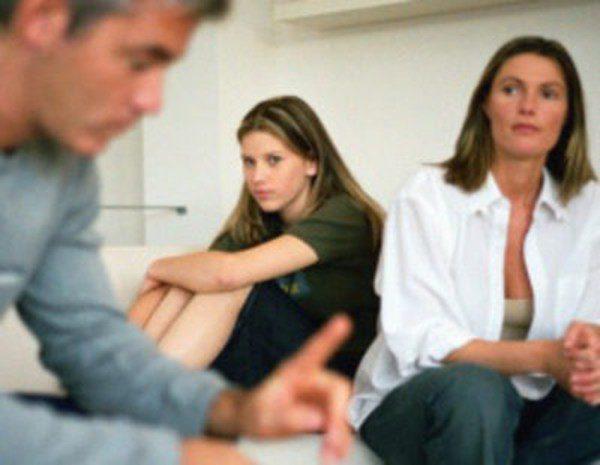 Padres E Hijos Falta Dialogo