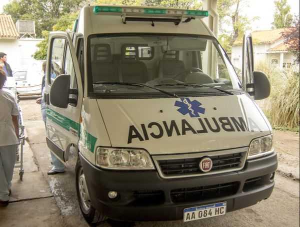 Catriel: arduo trabajo de personal del hospital para retirar a un hombre fallecido con sobrepeso
