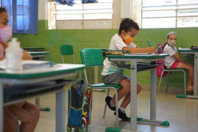 Ciclo lectivo 2021: los docentes sern vacunados en febrero