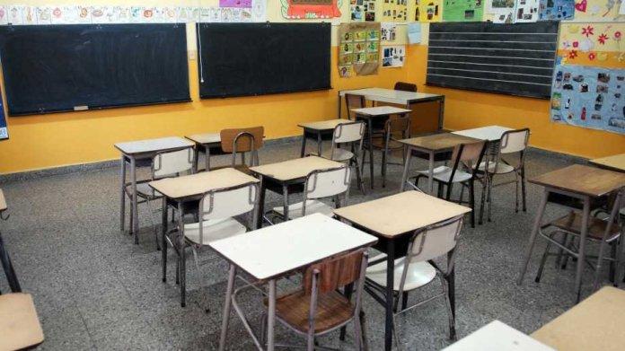 Río Negro: los docentes deben volver a las escuelas la próxima semana