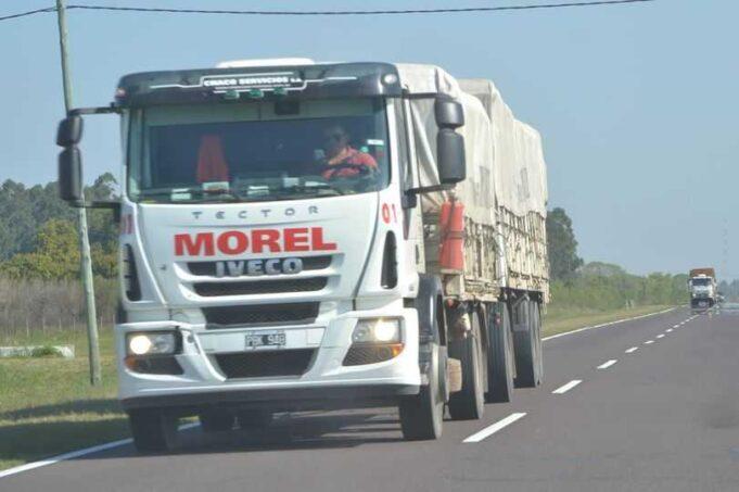 Confundidos: piratas del asfalto asaltaron a un camionero cerca de 25 de Mayo