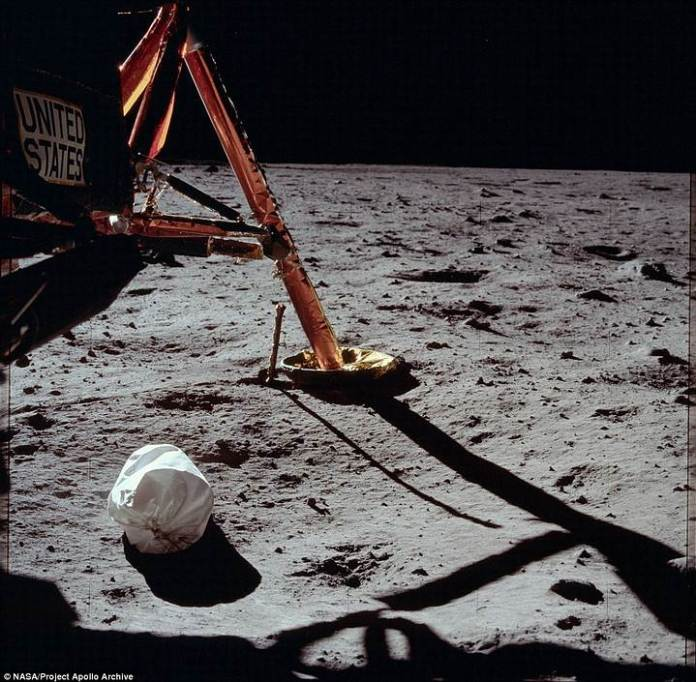 Una de las patas del módulo lunar. En total, Armstrong y Aldrin pasaron 21 horas en la superficie de la Luna antes de reunirse nuevamente con Collins.