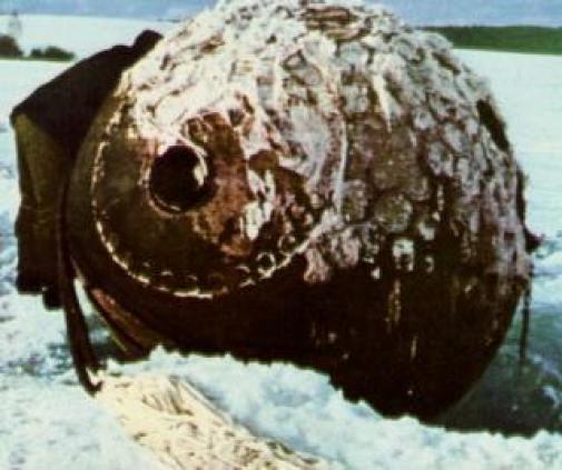 La cápsula de aterrizaje presuntamente de Gagarin en la nieve