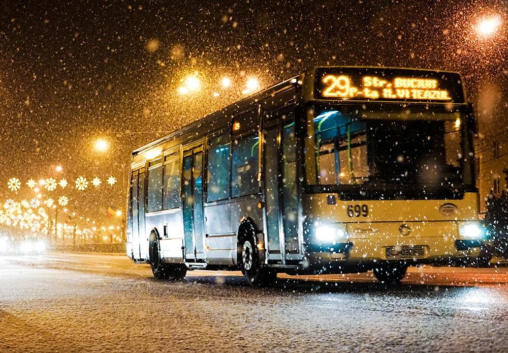 Bus sous la neige