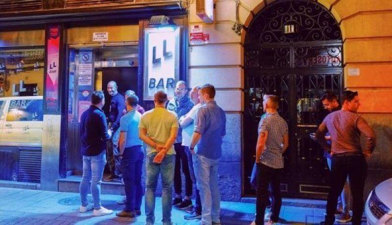 Discotecas gay Madrid bar drag queens show
