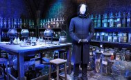Sets - the potions classroom with costume of Snape