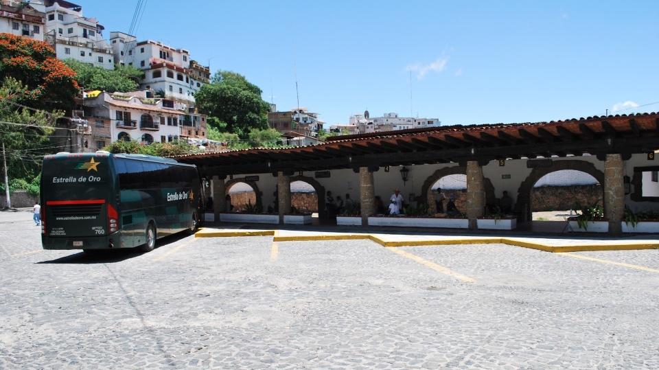 Publicidad en Terminal de Autobuses Taxco