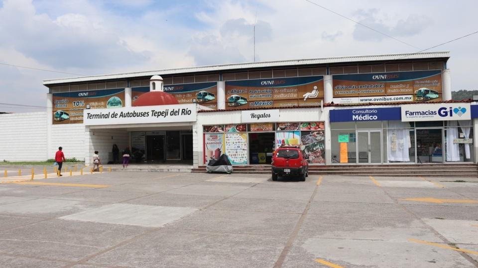 Publicidad en Terminal de Autobuses Tepeji