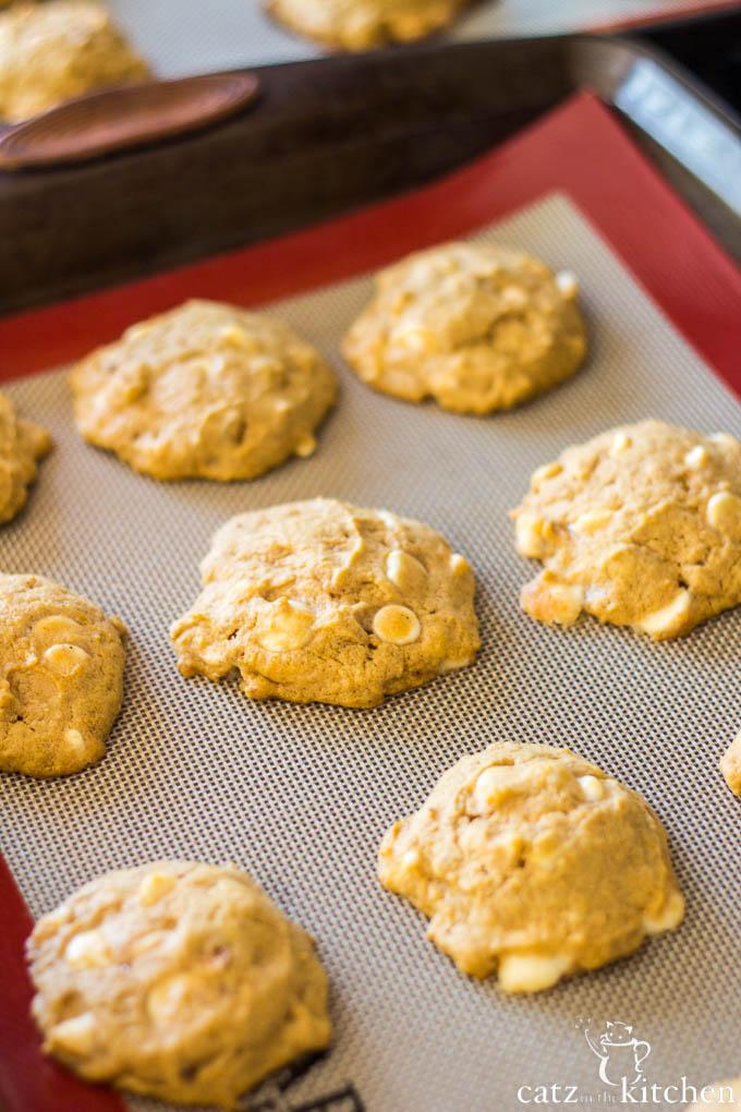 Macadamia Nut White Chip Pumpkin Cookies   Catz in the Kitchen   catzinthekitchen.com   #fall #cookies #pumpkin