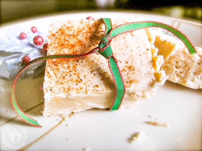 Eggnog Fudge | Catz in the Kitchen | catzinthekitchen.com | #fudge #eggnog #Christmas
