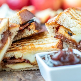 Apple Bacon Brie Grilled Cheese Panini
