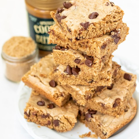 Cookie Butter Chocolate Chip Blondies