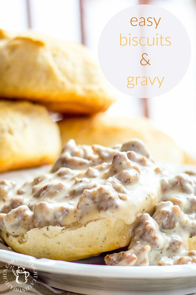 Easy Biscuits & Gravy | Catz in the Kitchen | catzinthekitchen.com | #Gravy #Recipe #Breakfast #Biscuits