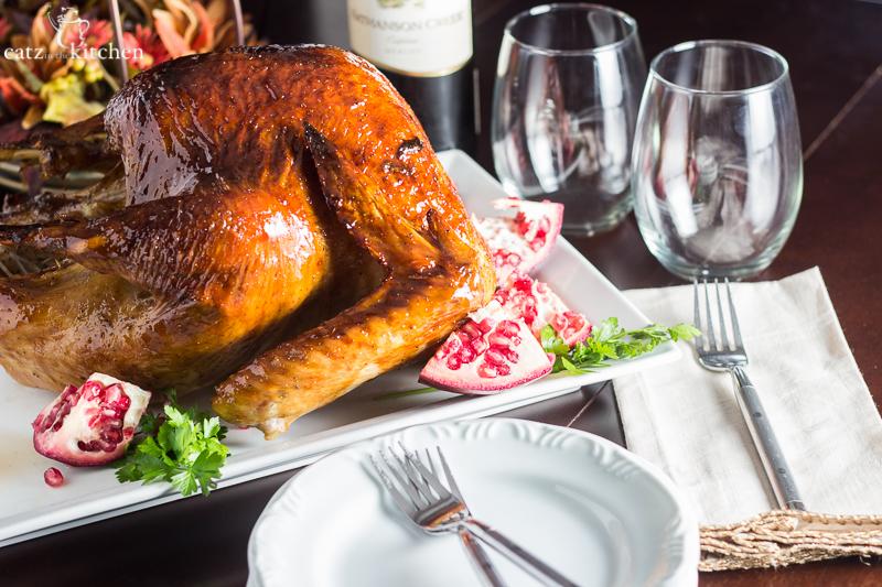 Pomegranate Molasses Glazed Turkey | Catz in the Kitchen | catzinthekitchen.com | #Thanksgiving #pomegranate #turkey