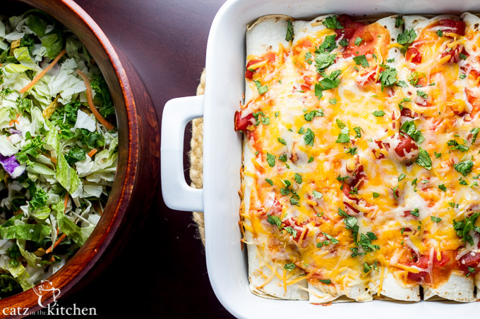 Cinnamon Chicken Enchiladas | Catz in the Kitchen | catzinthekitchen.com #enchiladas