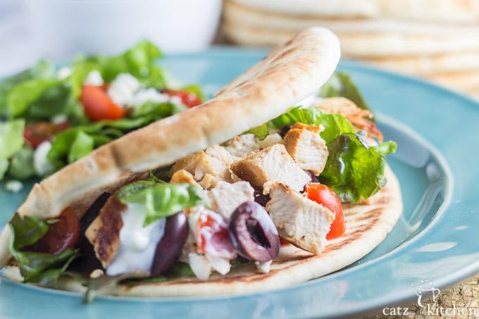 Chicken Gyros | Catz in the Kitchen | catzinthekitchen.com #Greek