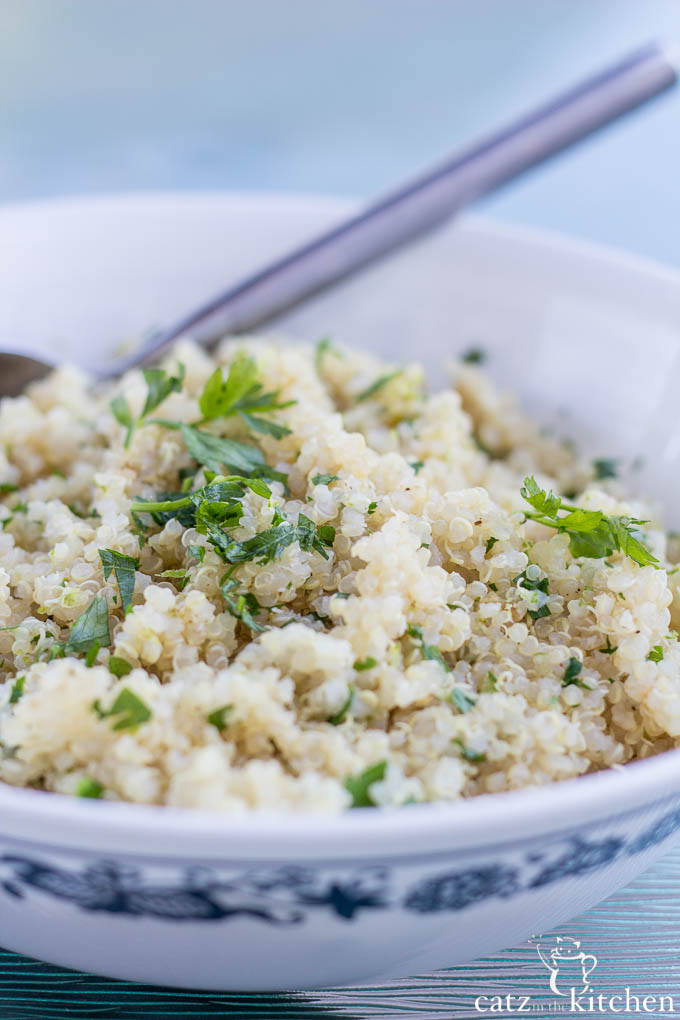 Cilantro Lime Quinoa | Catz in the Kitchen | catzinthekitchen.com #quinoa
