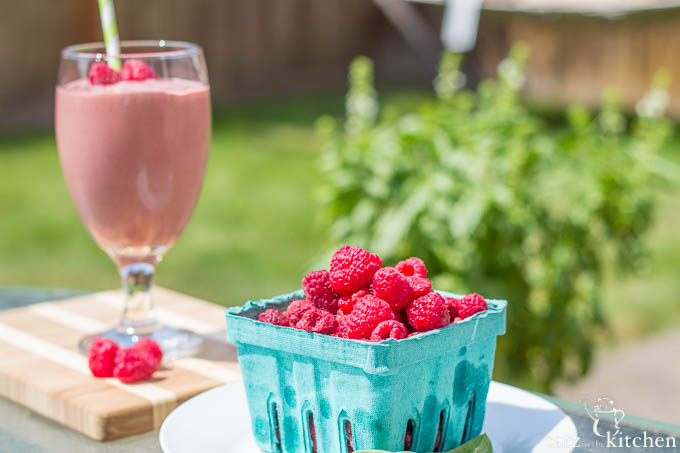 Raspberry & Basil Smoothies   Catz in the Kitchen   catzinthekitchen.com   #ORberries