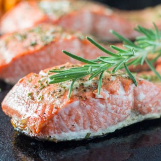 Broiled Rosemary Salmon | Catz in the Kitchen | catzinthekitchen.com | #2016 #NewYears #Recipe #Salmon #Healthy