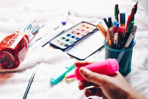 Sketchnoter sur papier nécessite du matériel