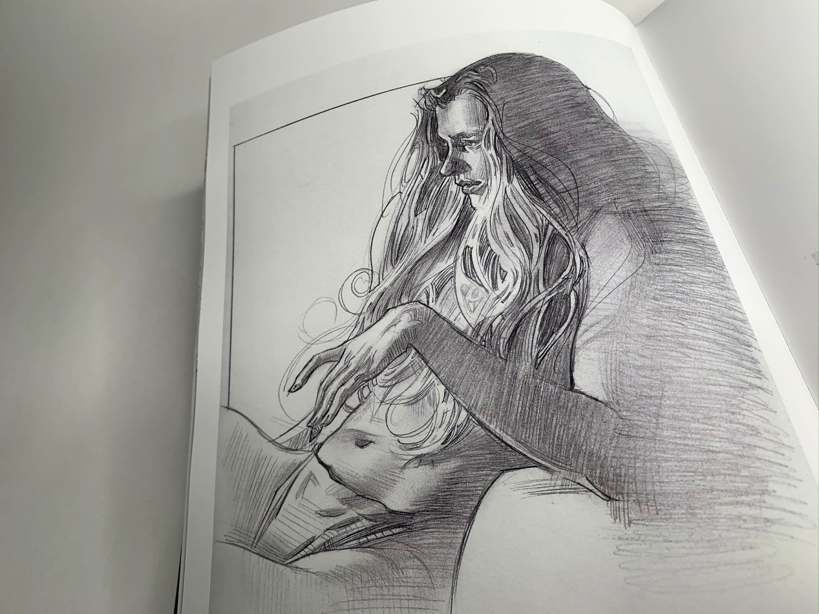 Extrait du livre artbook Muse : exploration of the female form par James Martin.