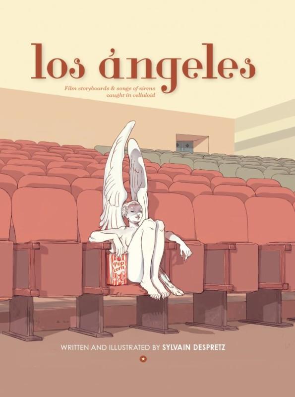 Dans une salle de cinéma, une femme ange mange du pop-corn en attendant son film.