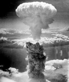 atomic_cloud_over_nagasaki_plutonium_atom_bomb_fatman_aug9th_1945